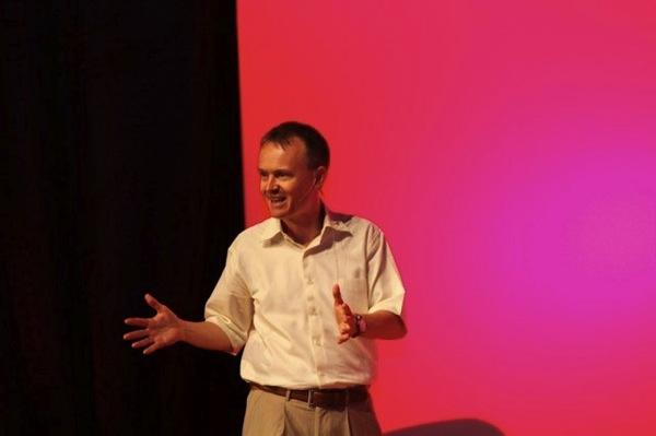 Christopher John Payne TEDxAlAin
